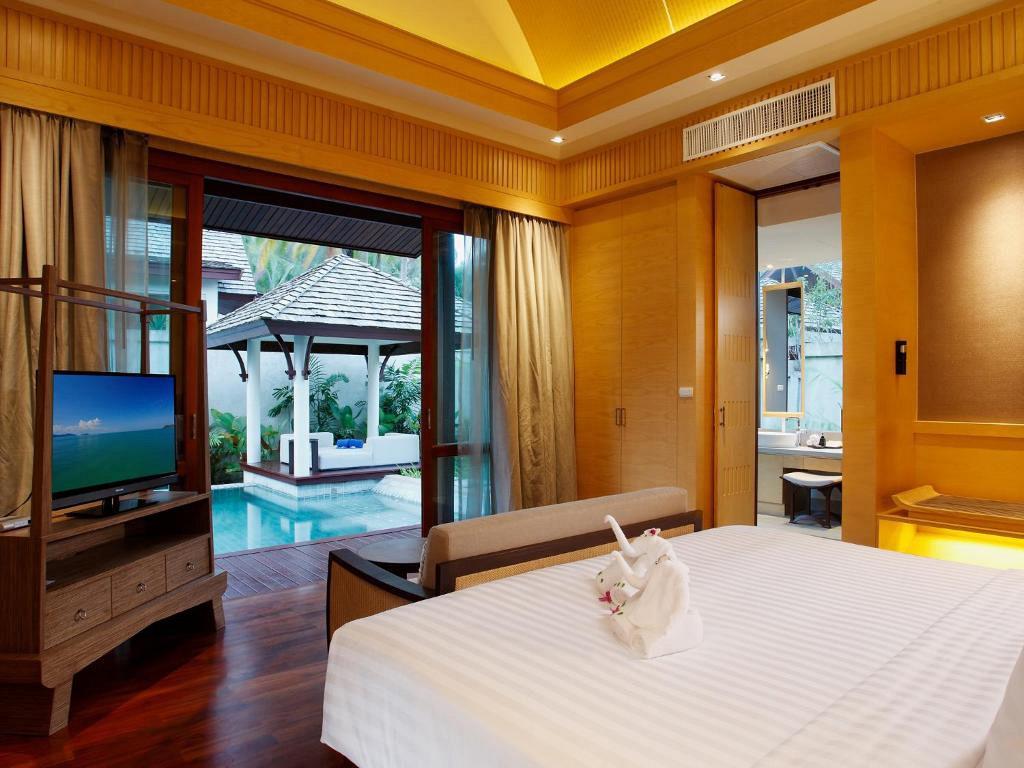 Graceland Khaolak Beach Resort